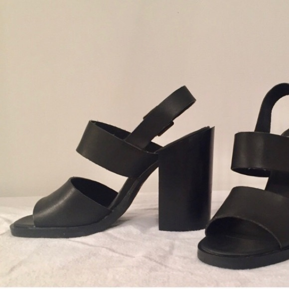 Chunky heel sandal with straps